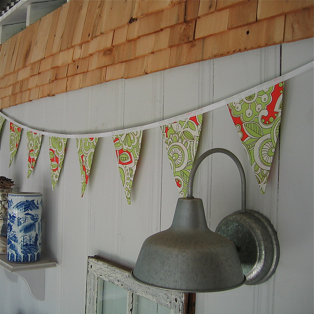 bright retro bunting flags or pennants via pamwares on flickr