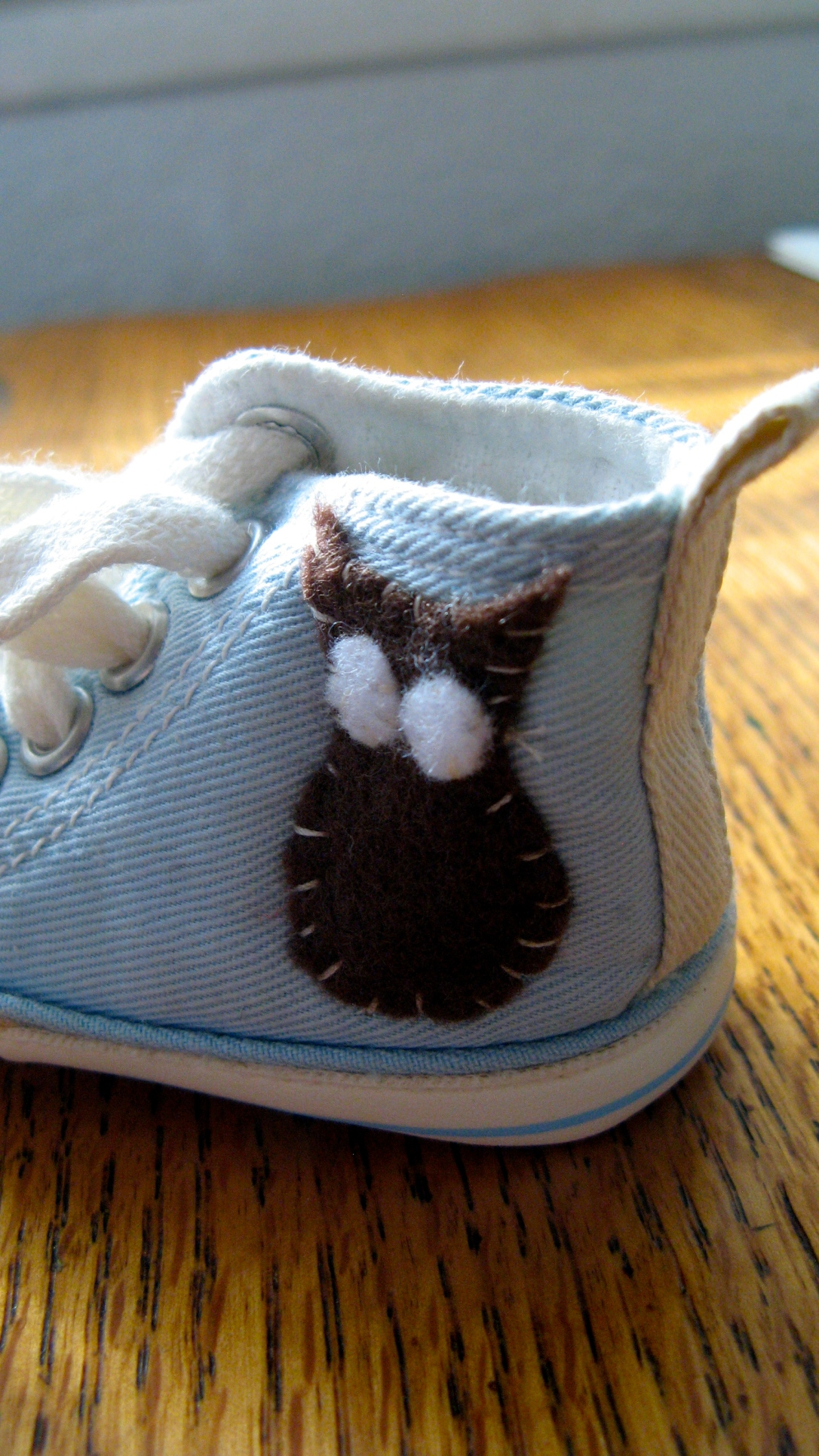 newborn baby shoes with embroidered felt owl - blue and brown