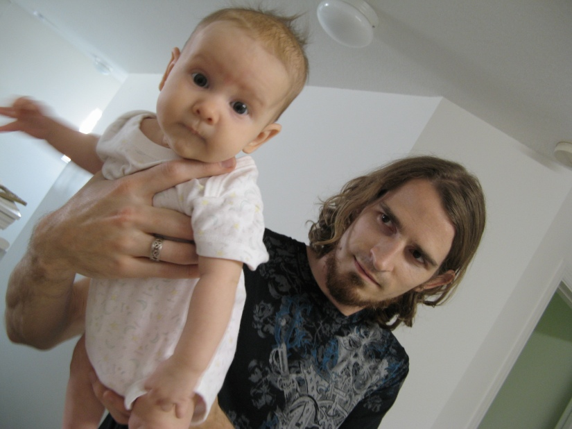 26PM Josiah Munsey and baby girl Aveline Alenka -- father and daughter photo