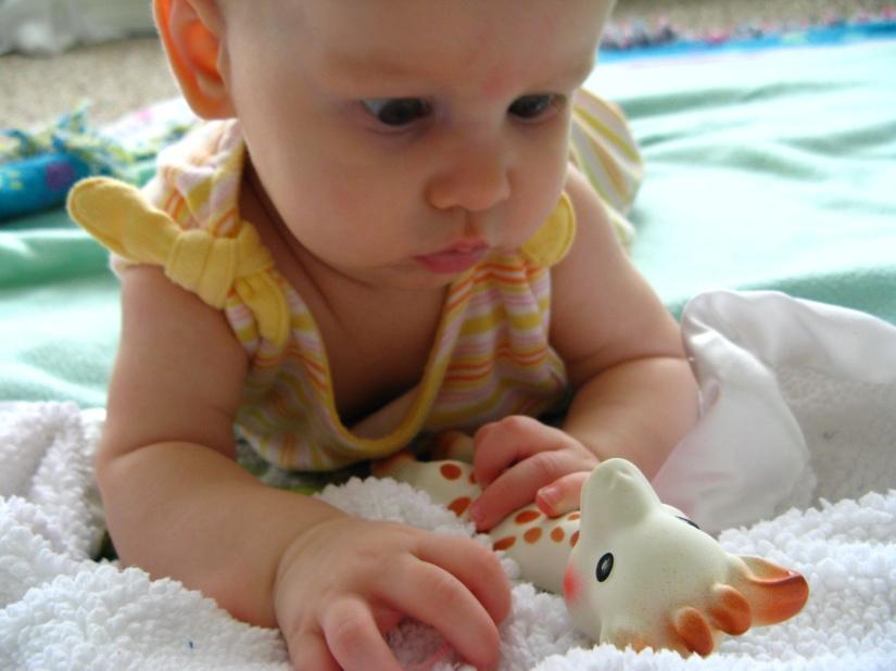 Aveline meets Sophie the Giraffe