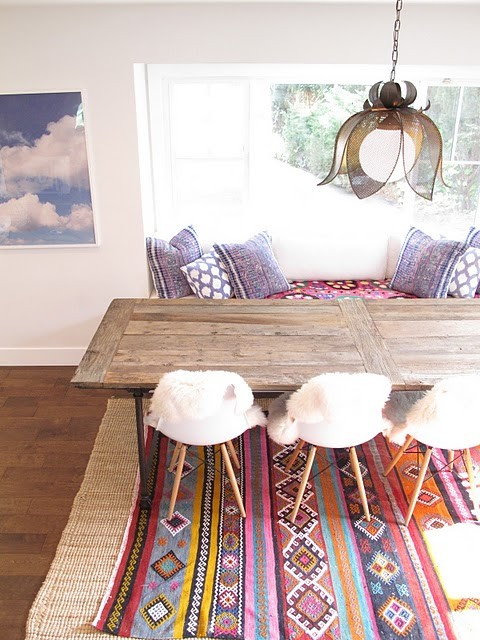 Layered Rugs and Textured Pillows via Amber Interiors - Textiles Board on Oaxacaborn
