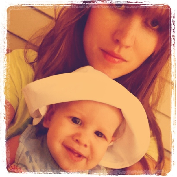 Instagram of Gina and baby Aveline wearing a sunhat - on Oaxacaborn blog