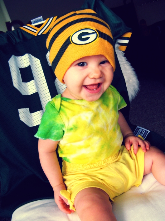 Aveline wearing Packer clothes - Tie Dyed Onesie