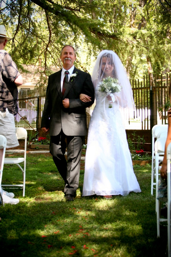 walking down the aisle with daddy - outdoor Norcal wedding