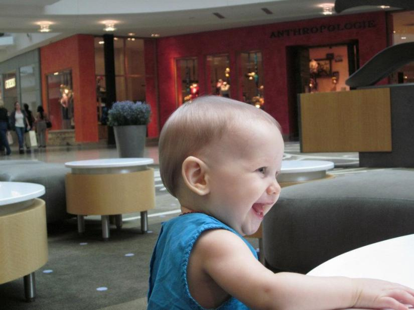 Aveline in front of Anthropologie at the mall