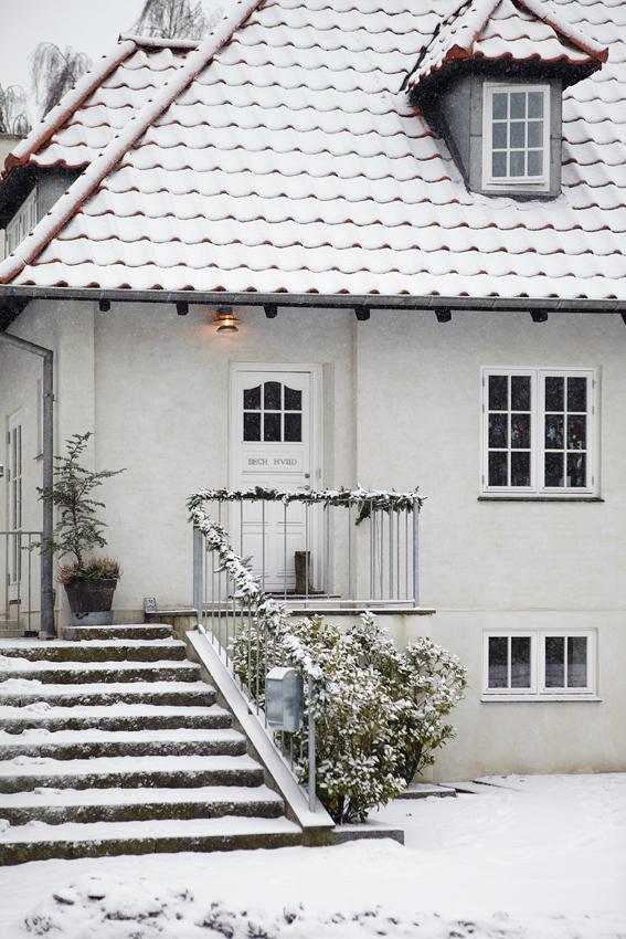Exterior of Home in Denmark in Winter - Snowy White Christmas - Image from Sköna Hem
