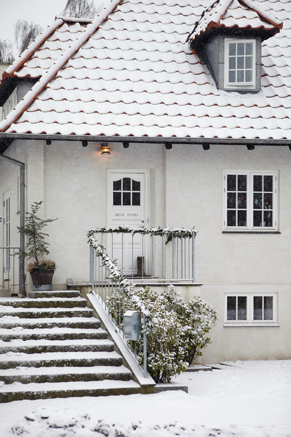 Exterior of Home in Denmark in Winter - Snowy White Christmas - Image from Sköna Hem