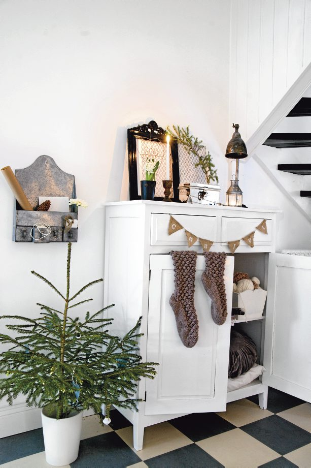 Scandinavian Christmas - Roy Alsén Photo and styling Anne-Charlotte Andersson and Anna Kvarnström for the Swedish Magazine Livet Pa Landet