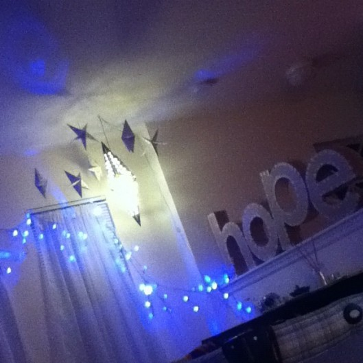 I really want to leave these lights up forever. It's always so sad when they're taken down after Christmas.
