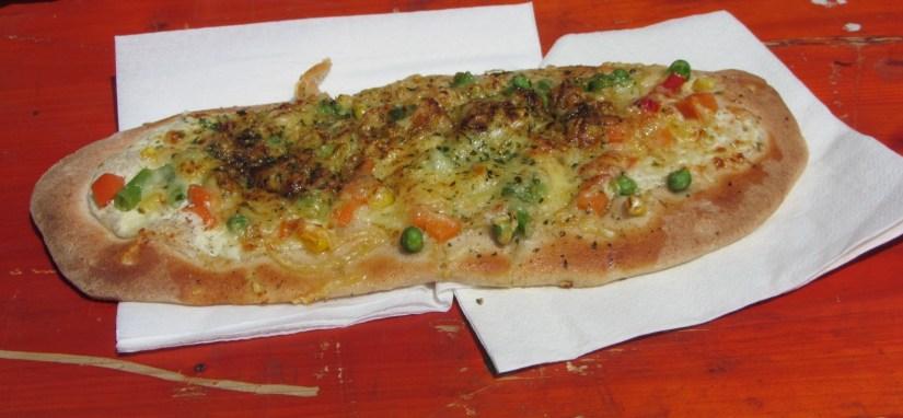 Gemüse und Käse Flammkuchen (Vegetable and Cheese Flame Cake)