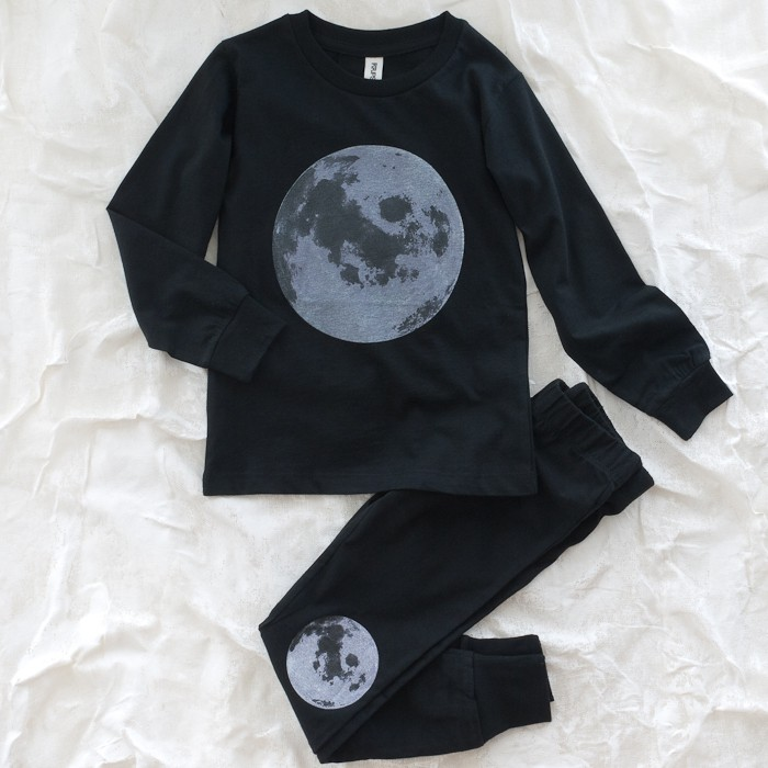 Organic pajamas with moon in knees and shirt made by popupshop on thumbeline