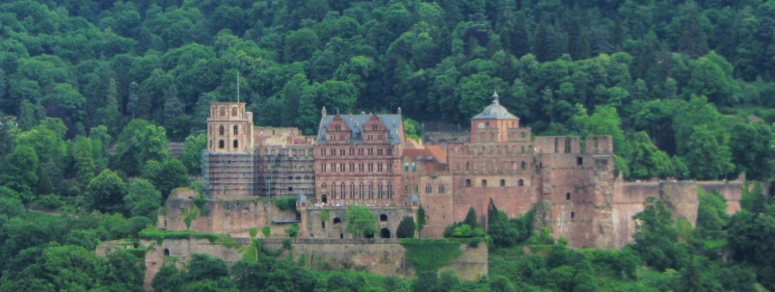 The ruin of Schloss Heidelberg (Heidelberg Castle), taken from Philosophenweg.