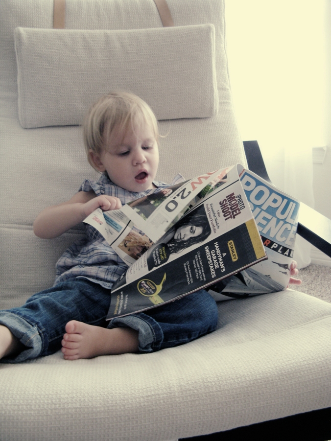 Popular Science's youngest reader - photo via Oaxacaborn dot com