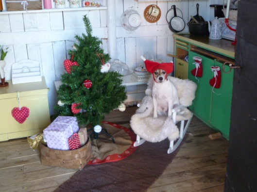 2 - Nordic Christmas photos via Red House in the Country Punainen talo maalla