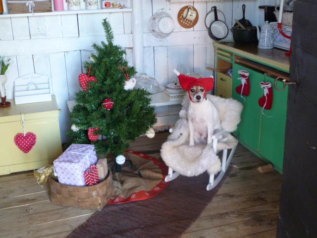 2 - Nordic Christmas photos via Red House in the Country Punainen talo maalla