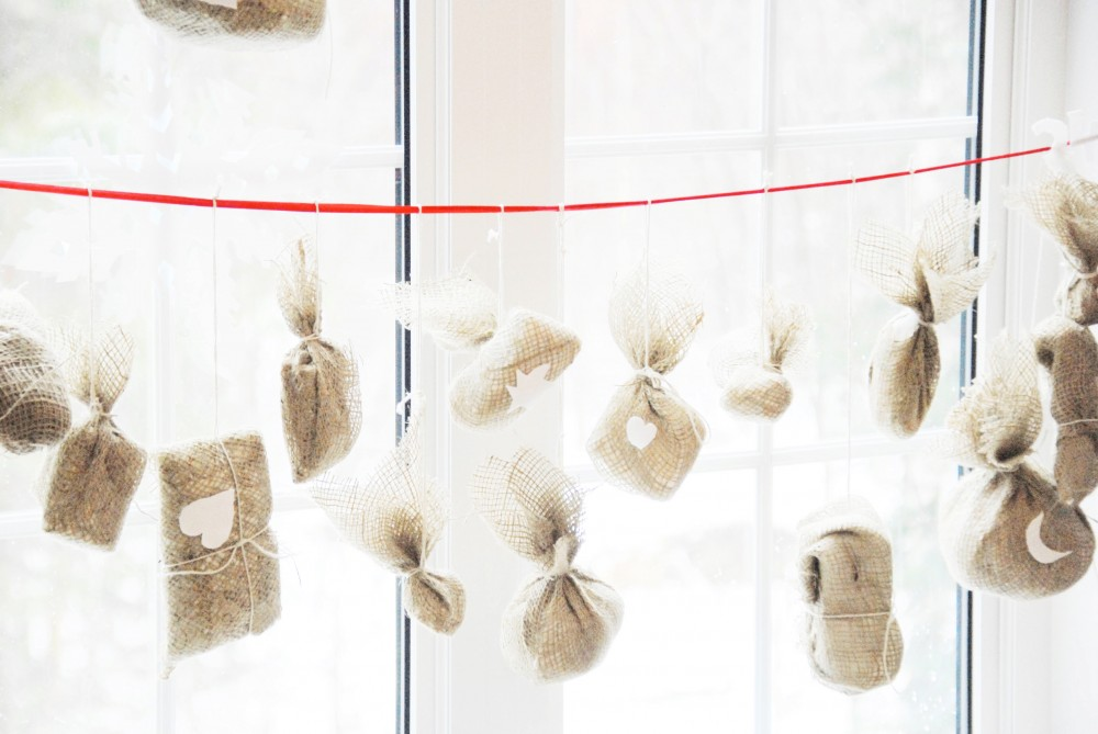 Burlap Advent Calendar via Fun Kyti Me