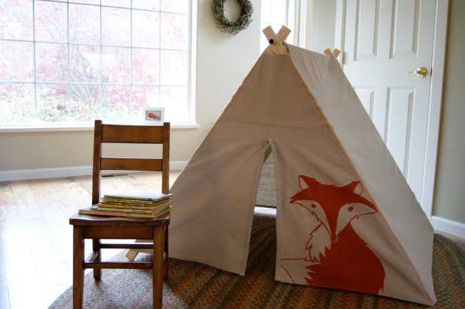 Children's Play tent with Fox via Snail Candy on Etsy