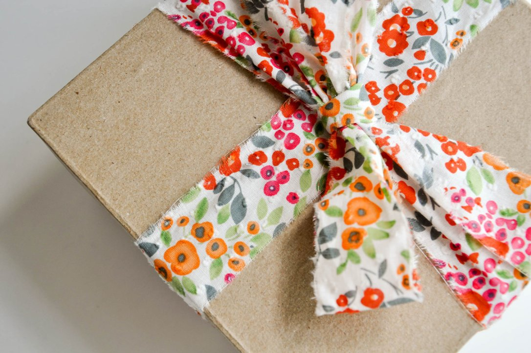 Floral Dot Ribbon from Knot and Bow -- More Ideas on Beautiful and Inexpensive Gift Wrap on the Oaxacaborn blog