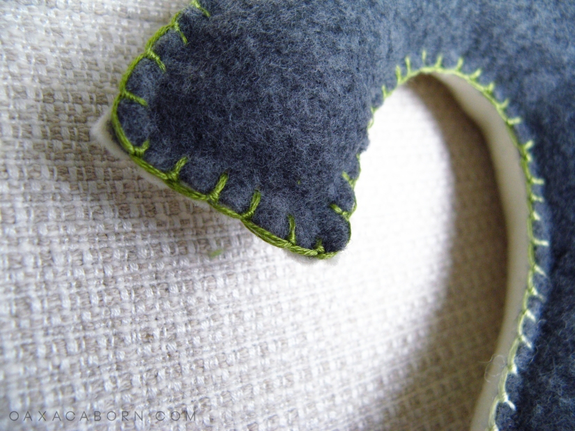 Make your Own DIY Large Felt Numbers - Tutorial on the Oaxacaborn blog