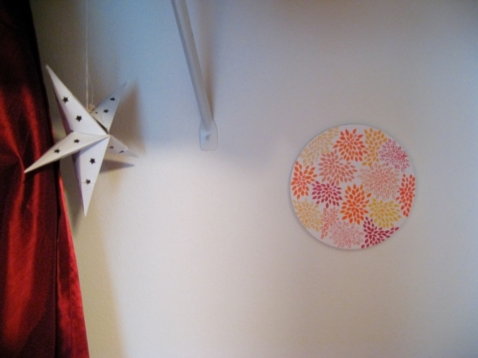Inside the closet, with a paper star and a painting - photo via Oaxacaborn dot com
