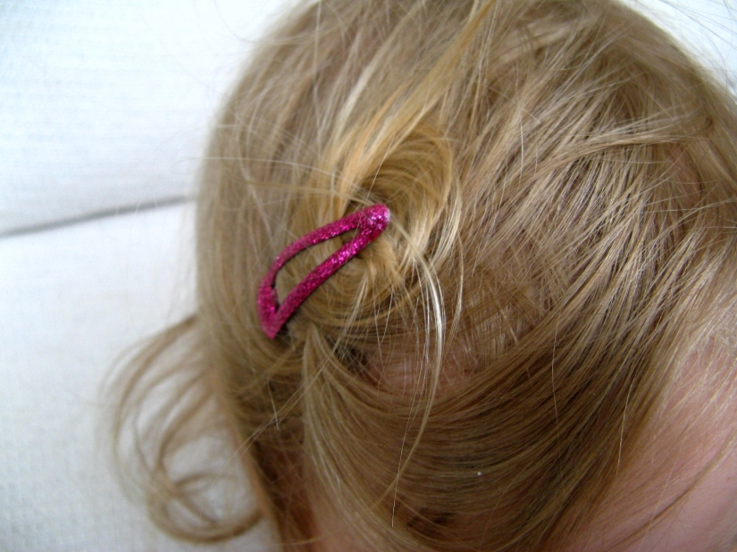 April 2013 - Aveline pink barrette