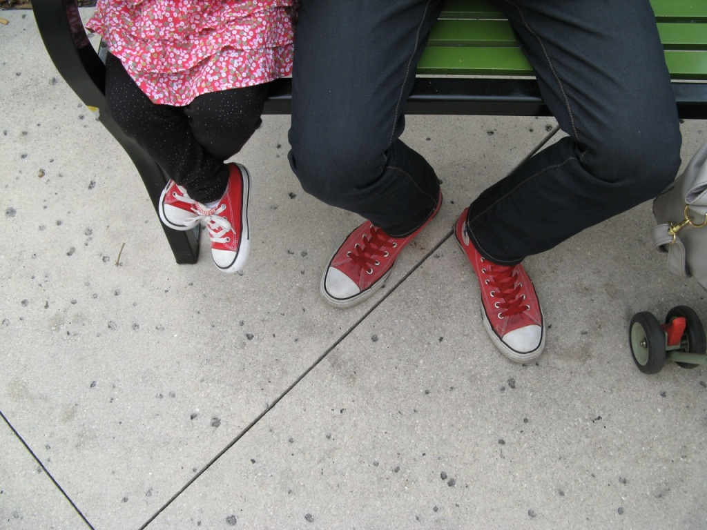 kid and dad wearing matching Converse sneakers via Oaxacaborn