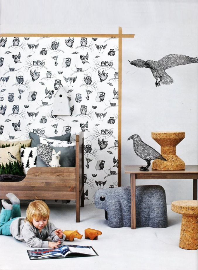 Mini Empire wallpaper as seen on ladnebebe