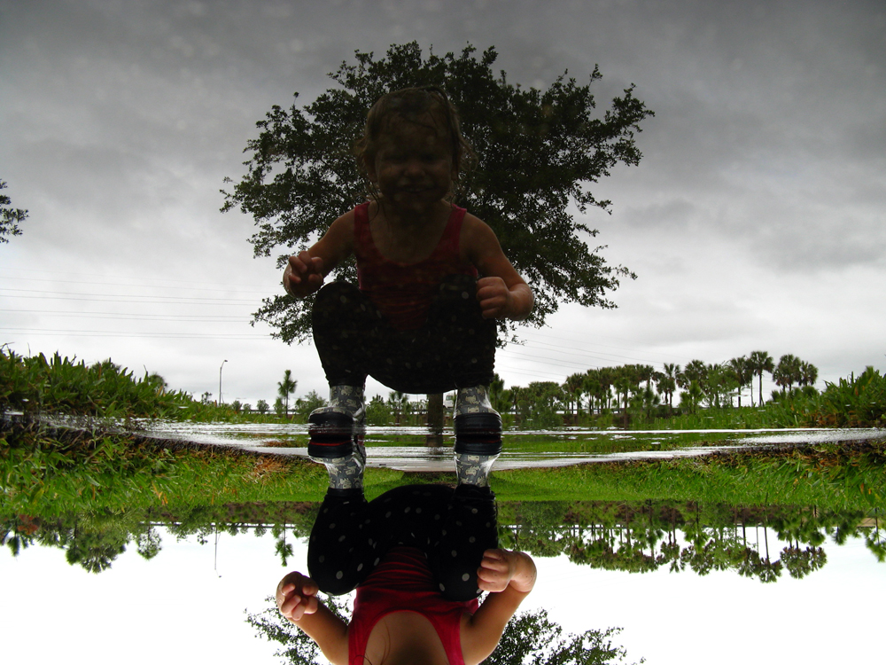 Upside down puddle reflection via Oaxacaborn