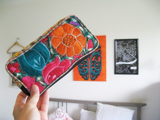 Beautiful Oaxaca embroidered coin purse wallet - Textiles from Oaxaca Mexico
