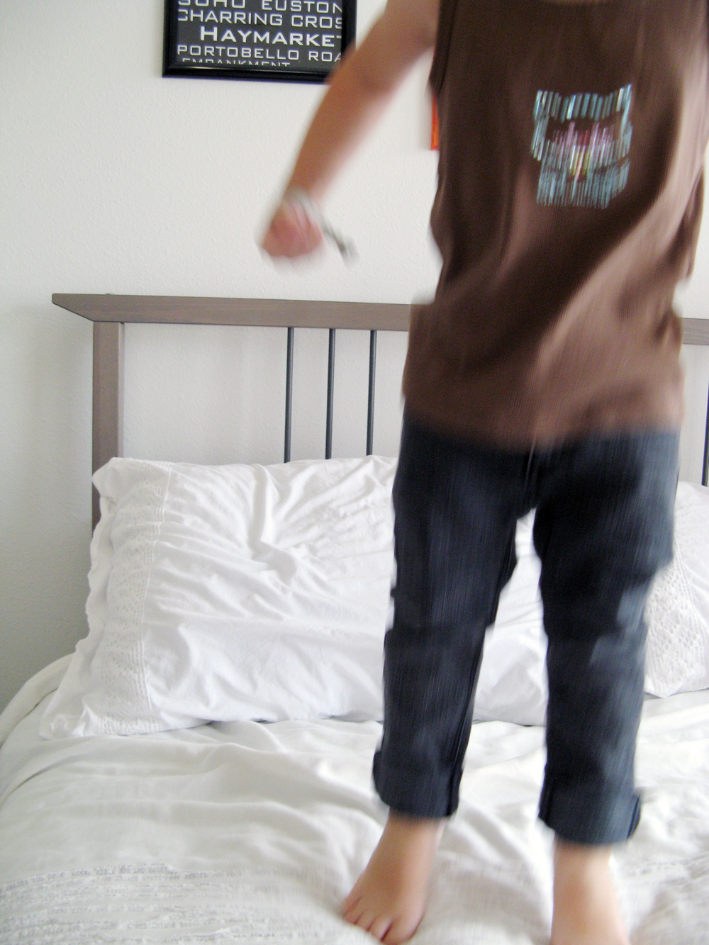 6a - Jumping on the Bed - Oaxacaborn