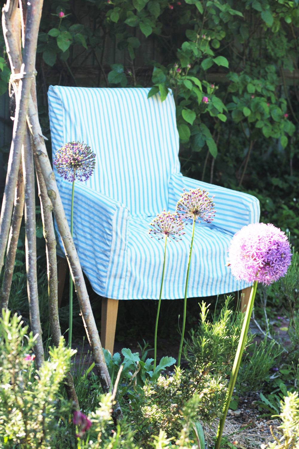 Jane Cumberbatch's Pure Style Online summer garden furniture - Pure Style Tips on Blogging