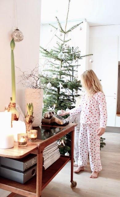2 - Inside %22My Scandinavian Home%22 blogger's house at Christmas