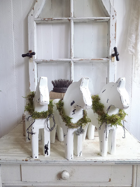 Scandi shabby chic dala horses - all white - Princess Greeneye