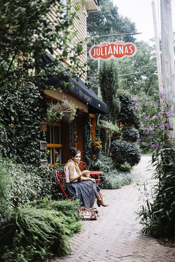 10 Inspiring Storefronts and Cafes from around the World // Julianna's Crepes _ Atlanta