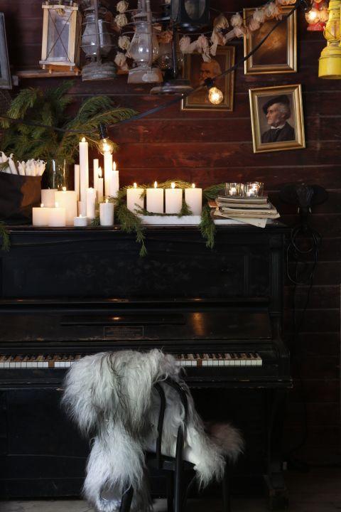 Skandinavisk Jul! Styling by Swedish interiors and gardening store GRANIT